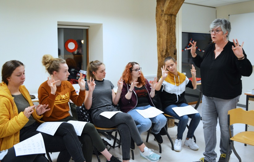Cours langue des signes